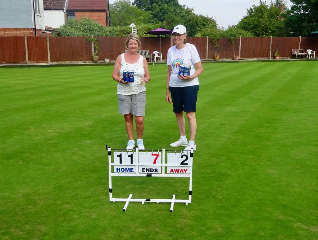 Plate winners Cindy, Sheila